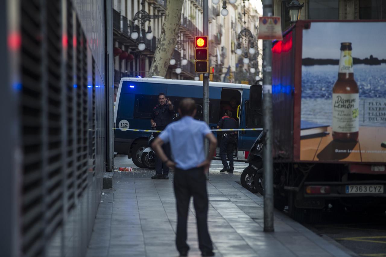 atentado_terrorista_barcelona-16