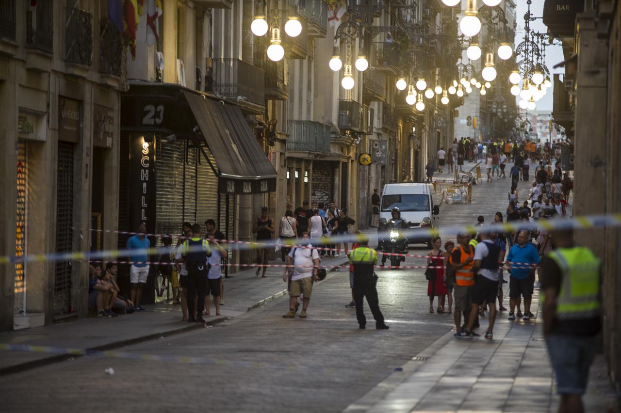 atentado_terrorista_barcelona-24